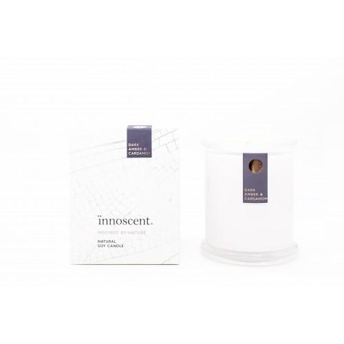 Signature Candle / Dark Amber & Cardamom